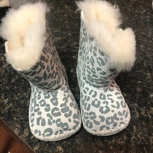 Baby Girl leopard Uggs Size 2/3